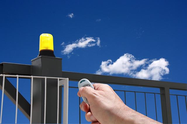 brána, světlo, ruka, dálkové ovládání