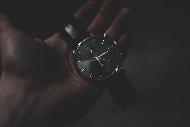 hodinky na prstech