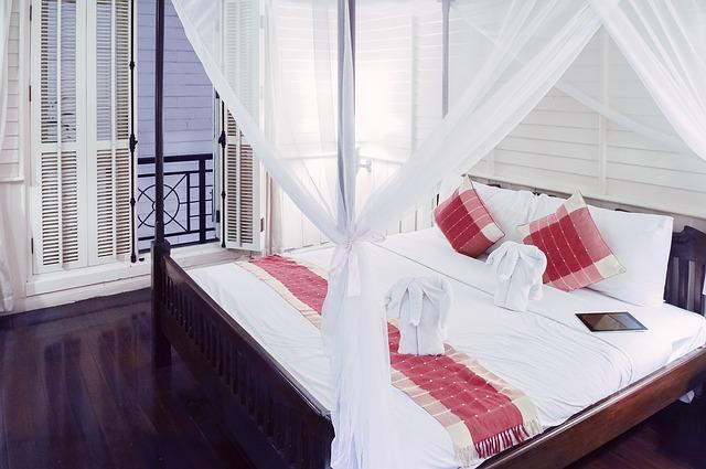 balkon u postele