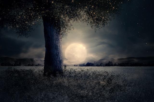 svítící měsíc