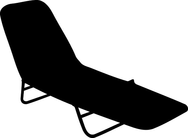 černé lehátko
