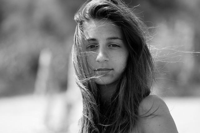 mladá žena