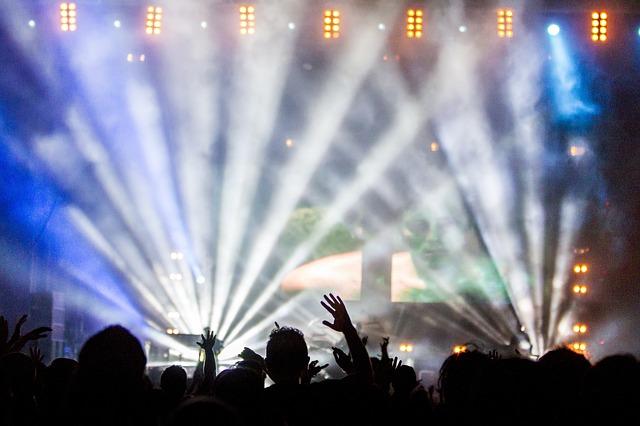 světla na koncertě.jpg