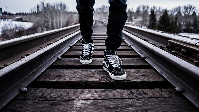 chůze na kolejích