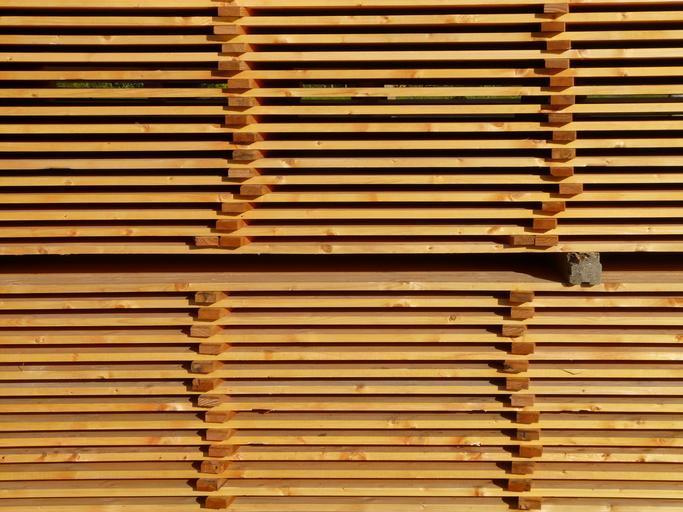 Uskladněné dřevo