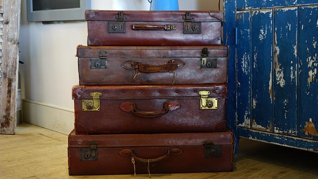 čtyři kufry
