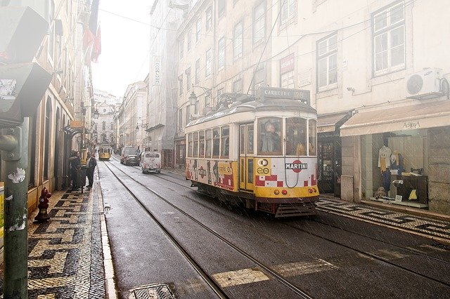 Proslulá portugalská žlutá tramvaj